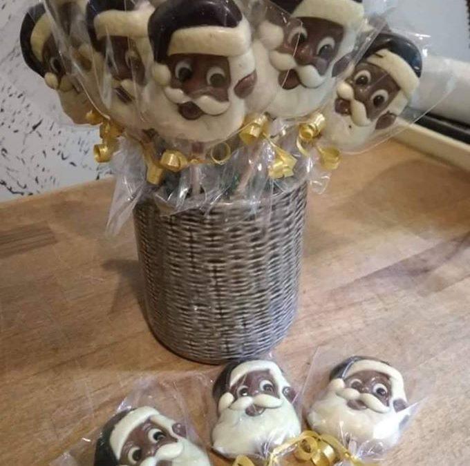 Všechny čokolády a pralinky z čokoládovny Janek opět skladem, včetně mikulášských lízátek, malých postaviček a speciální vánoční krabičky pralinek