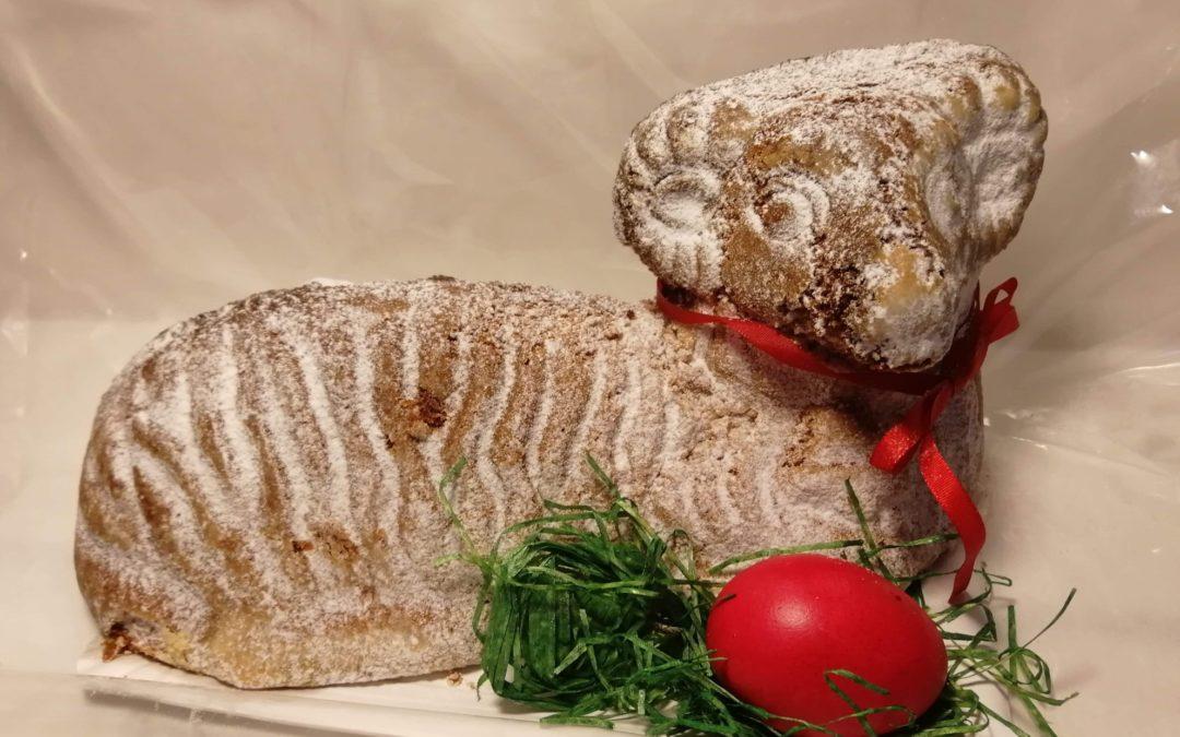 Už k nám dorazili Ořechový velikonoční beránci 🙂 Mají kilo, jsou krásně voňavý a v puse se jen rozplývají…. Pospěšte omezený počet. Těšíme se na Vás 🙂